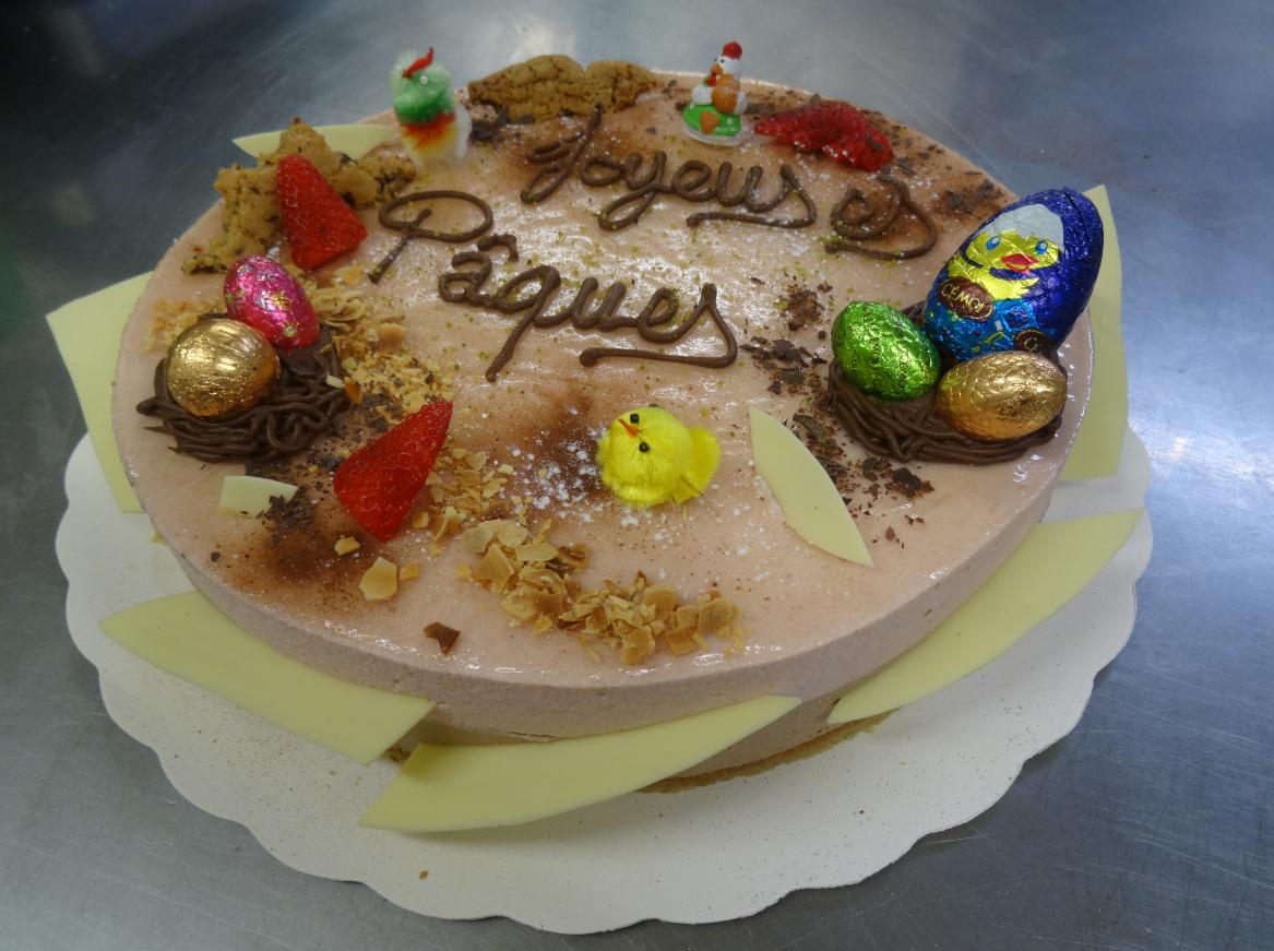 bavarois chocolait-fraise 10-12 parts déco Pâques