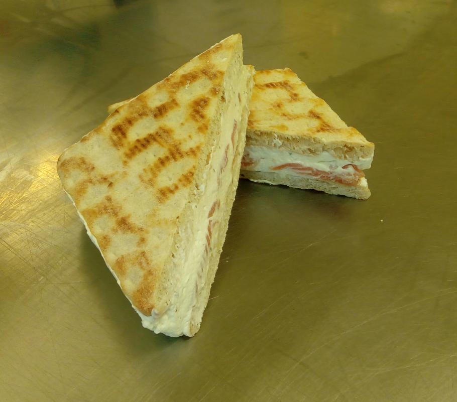 club Sandwich  crème et saumon.
