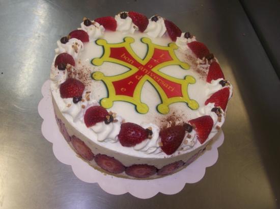 fraisier 10-12 parts avec photo croix occitane