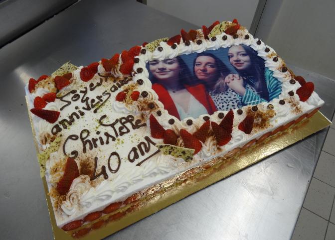 fraisier 20-24 parts avec photo famille