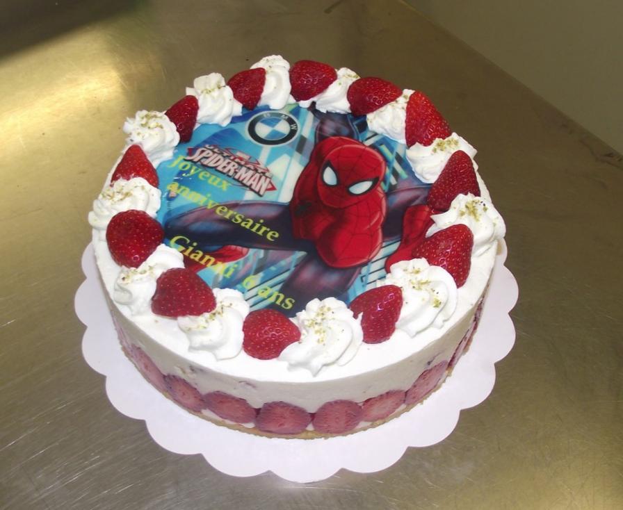 fraisier 6-8 parts avec photo de Spiderman