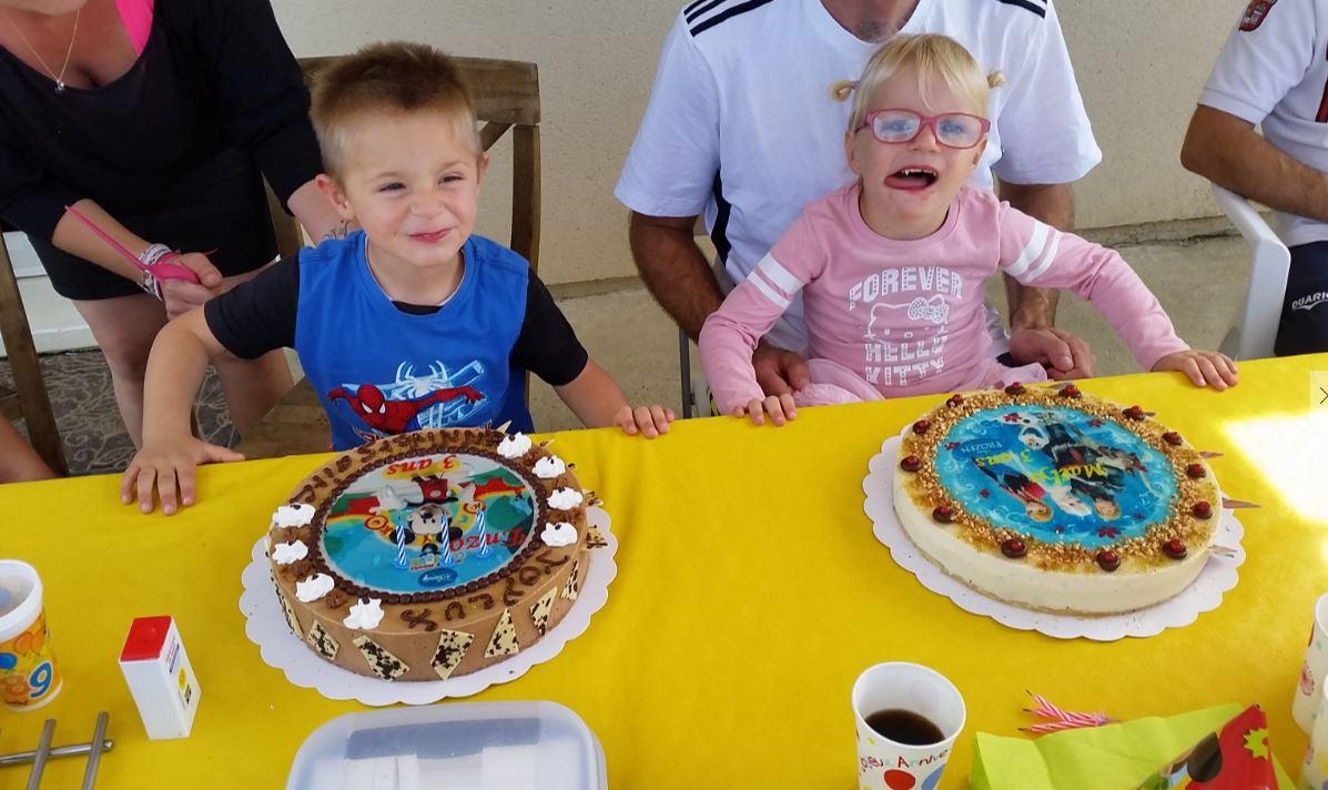 la Joie des enfants avec de bons gâteaux des Douceurs de Daniel !