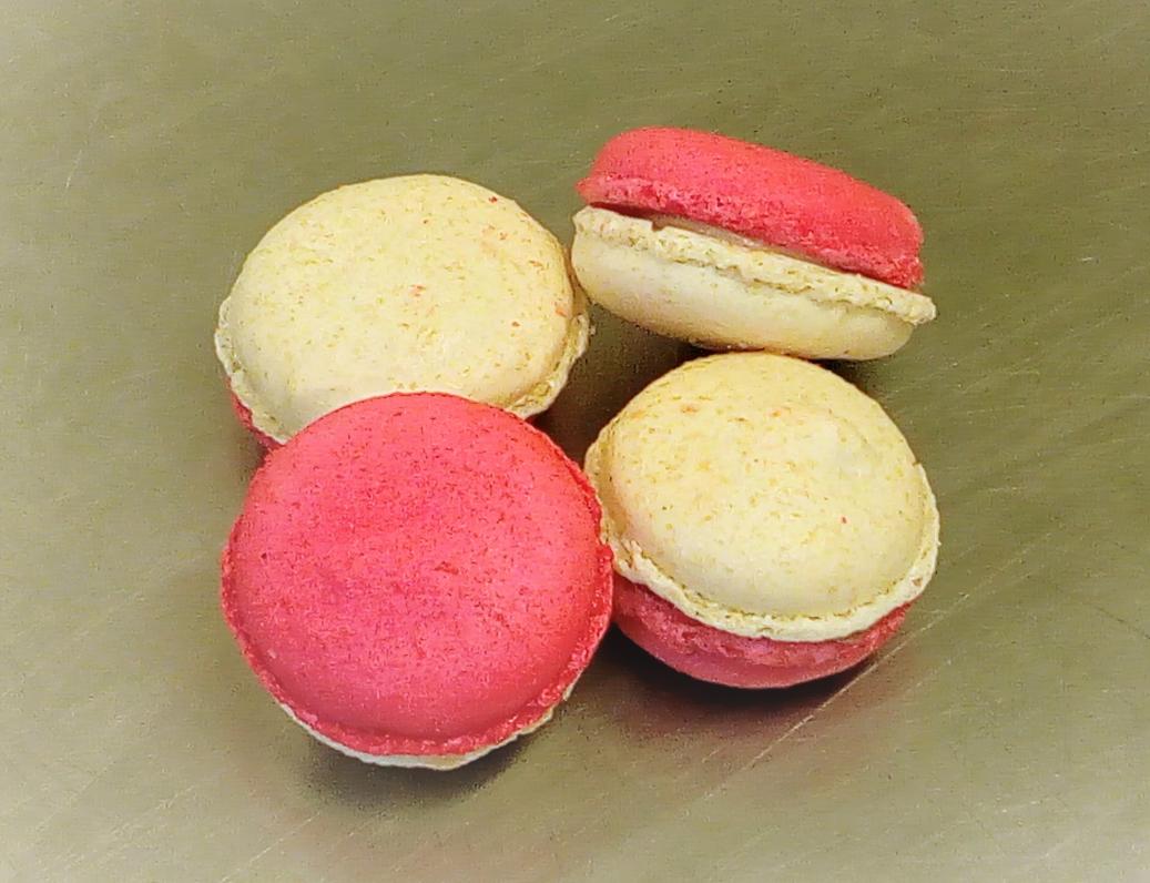 macarons choco blanc-fraise.