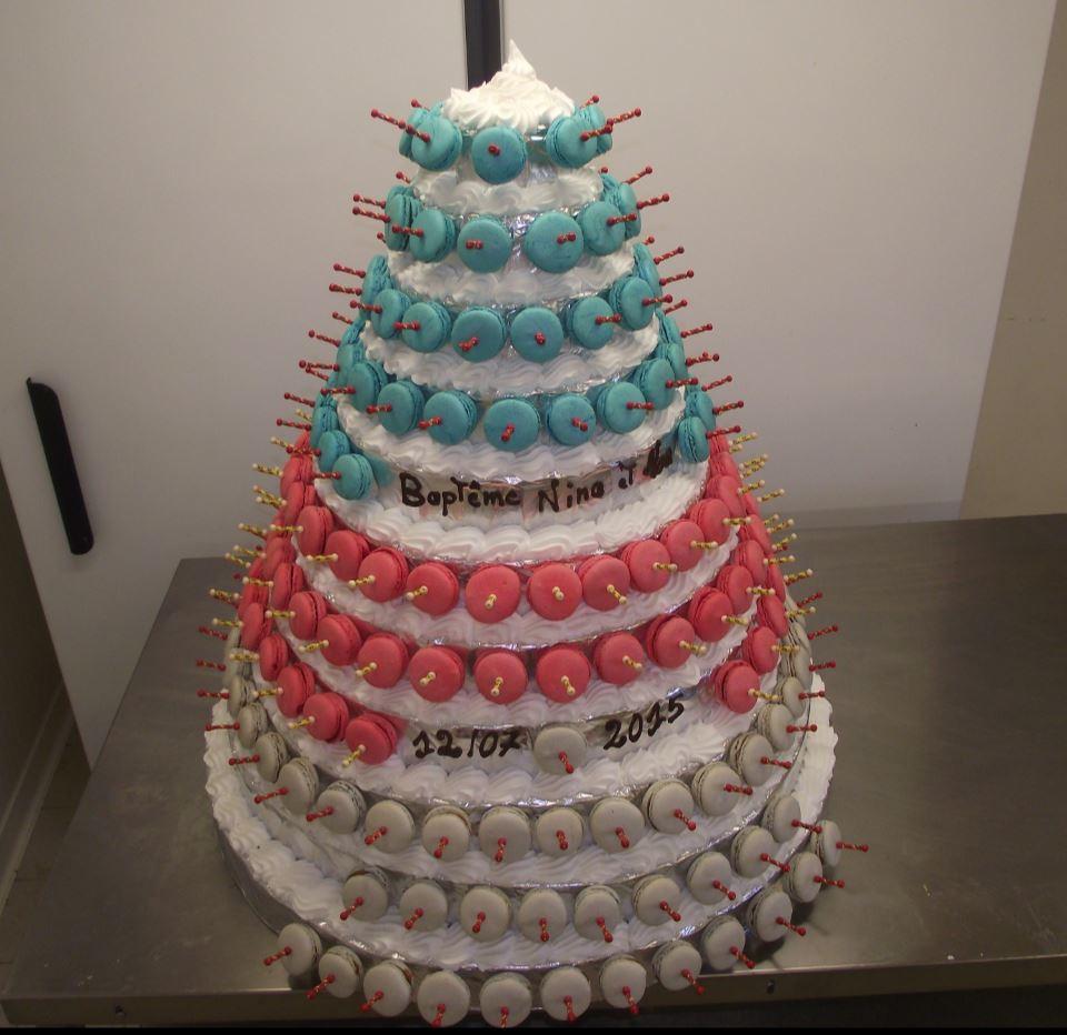 pyramide de macarons de 210 macarons