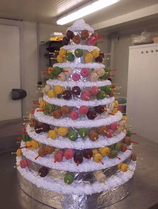 pyramide de macarons  de 200 macarons