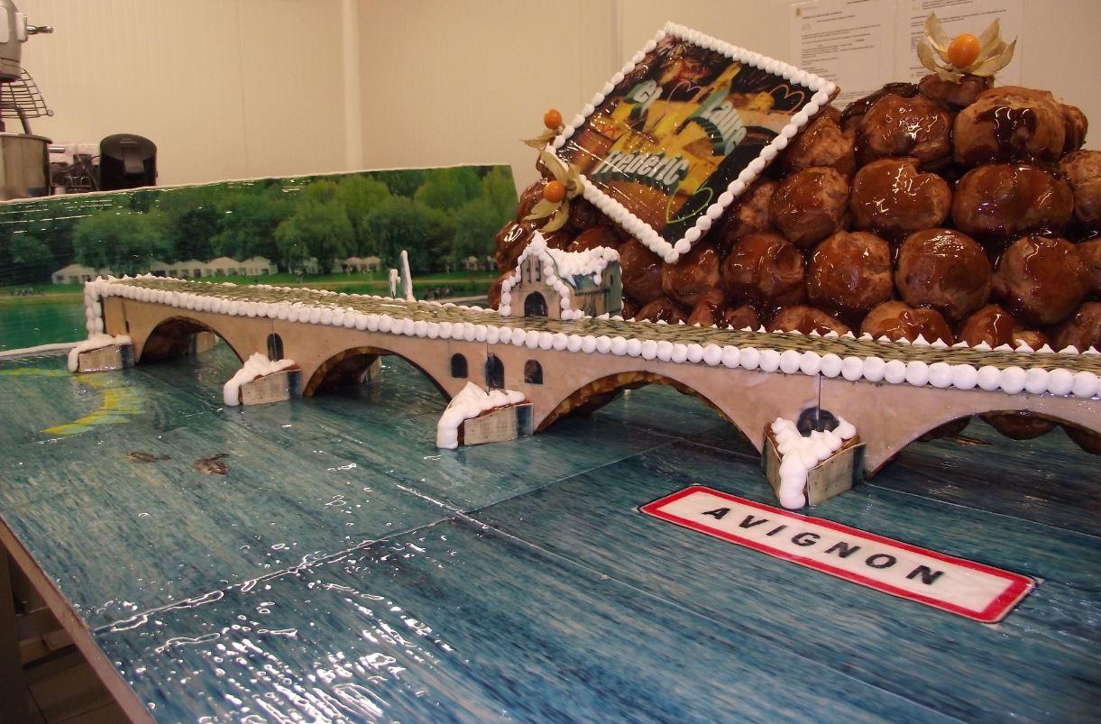 pièce montée le pont d'avignon