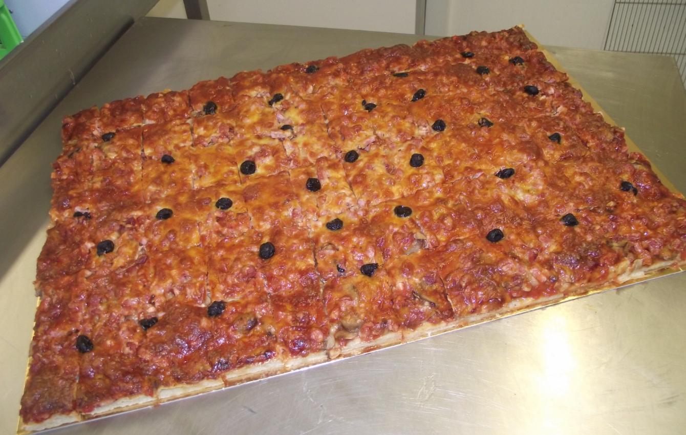 plaque de pizza jambon-champignon-fromage