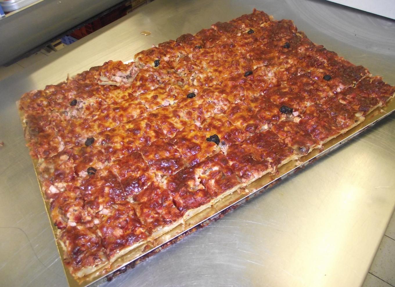plaque de pizza jambon- champignon